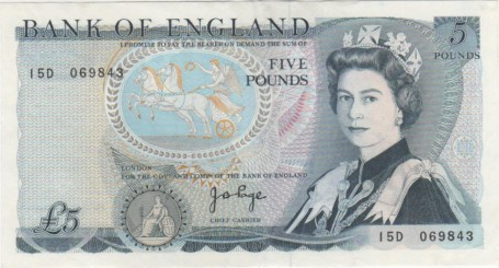 a British £5 note